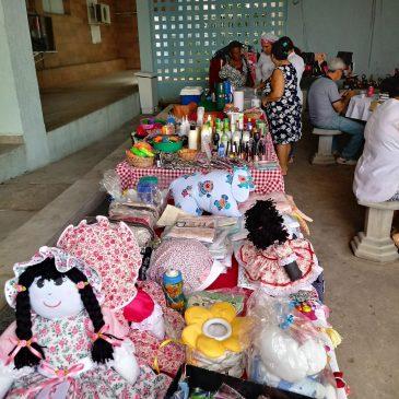 Servidoras do Huse promovem feirinha natalina e valorizam a produção local